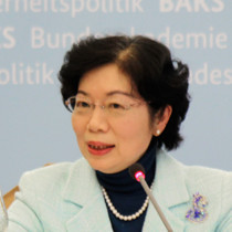 Portraitaufnahme von Agnes Hwa-Yue Chen, Repräsentantin der Taipeh-Vertretung in der Bundesrepublik Deutschland.