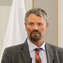 Portraitaufnahme von Staatsminister a.D. Dr. h.c. Gernot Erler, MdB, Russlandkoordinator der Bundesregierung