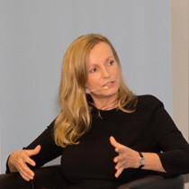 """Portraitaufnahmen von Gibt es ihn noch, den """"guten Kaufmann""""? Irina Kummert, Präsidentin des Ethikverbandes der Deutschen Wirtschaft"""