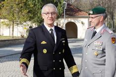 Vizeadmiral Manfred Nielson bei der Begrüßung an der Bundesakademie für Sicherheitspolitik.