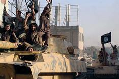 """Gepanzerte Fahrzeuge und Kämpfer des sogenannten """"Islamischen Staats"""""""