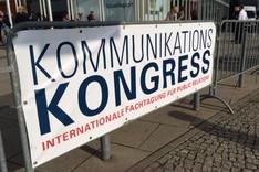 Hinweisschild zum Kommunikationskongress