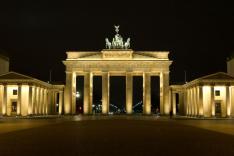 das Brandenburger Tor bei Nacht