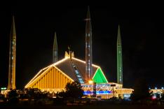 Zu sehen ist die Faisal-Moschee in Islamabad