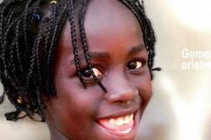 Lächelndes afrikanisches Mädchen