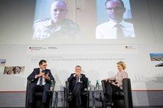 Bundesminister von der Leyen und Müller auf dem Deutschen Forum Sicherheitspolitik