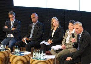 Die Experten im Bürgerdialog von links: Luc Walpot, Charles Huber, Moderatorin Christina Krause, Tanja Gönner, Christian Calliess