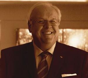 Porträtfoto von Botschafter Martin Erdmann
