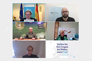 Da Bild zeigt mehrere Kacheln mit den Teilnehmenden einer Videokonferenz.