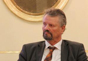 Portraitbild von Gernot Erler, Sonderbeauftragter der  Bundesregierung für den OSZE-Vorsitz