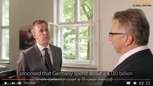 Kevin O'Brien, Chefredakteur der Handelsblatt Global Edition, im Interviewgespräch mit Dr. Karl-Heinz Kamp, Präsident der Bundesakademie für Sicherheitspolitik