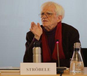 Der Bundestagsabgeordnete Hans-Christian Ströbele (Bündnis90/Die Grünen) spricht beim Kernseminar 2017 an der BAKS.