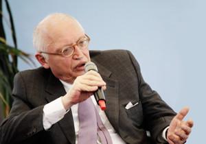 Portraitbild von Günter Verheugen