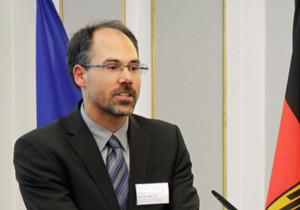 Portraitbild von Peter Wolfrum, Referent im Bundesministerium für Wirtschaftliche Zusammenarbeit und Entwicklung