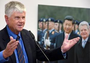 Porträtaufnahme von Hans-Dieter Heumann, Präsident der Bundesakademie für Sicherheitspolitik