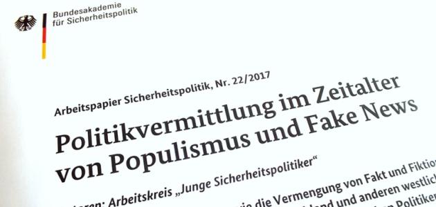 """Das Foto zeigt die Bildwortmarke der BAKS und die Überschrift \""""Politikvermittlung im Zeitalter von Populismus und Fake News\""""."""