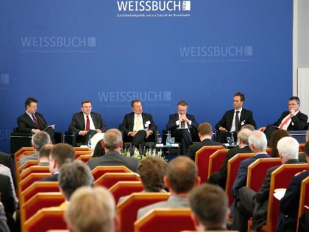 Diskussionsrunde bei der dritten Tagung des Experten-Workshops zum Weissbuch 2016
