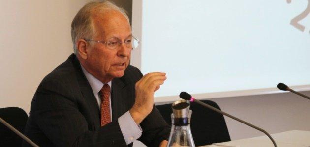 Wolfgang Ischinger spricht vor dem Kernseminar 2017 der BAKS.