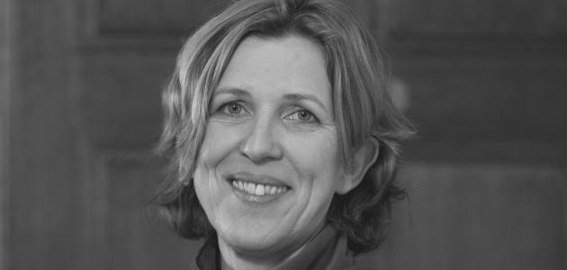 Porträtfoto Schwarz-Weiß von Frau Dr. Sylke Tempel
