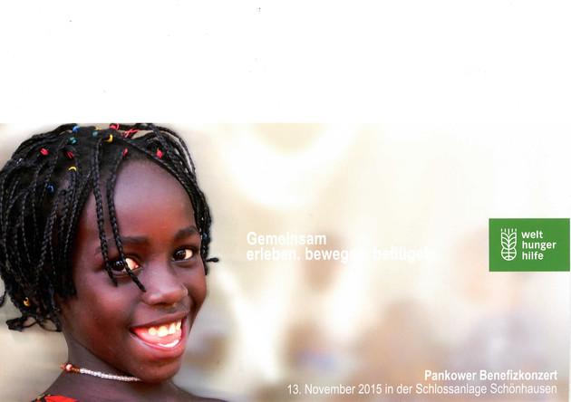 Bild eineslLächelnden afrikanisches Mädchen auf einer Einladungskarte der Welthungerhilfe.