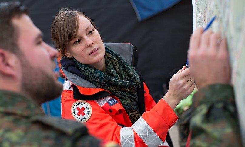 Koordinierung der Helfer vom Deutschen Roten Kreuz